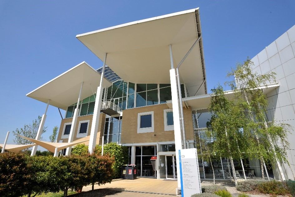 Façade of the Federation University Australia, Berwick campus