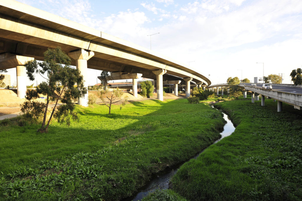 Image of Moonee Creek running under bridge